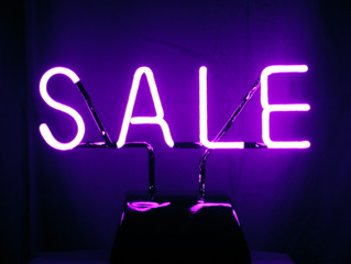 Advertise your sales by a free-standing shop window Neon Sign